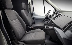 2014-ford-transit-vnitri2